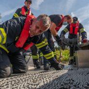 große Ölsperrübung auf der Donau
