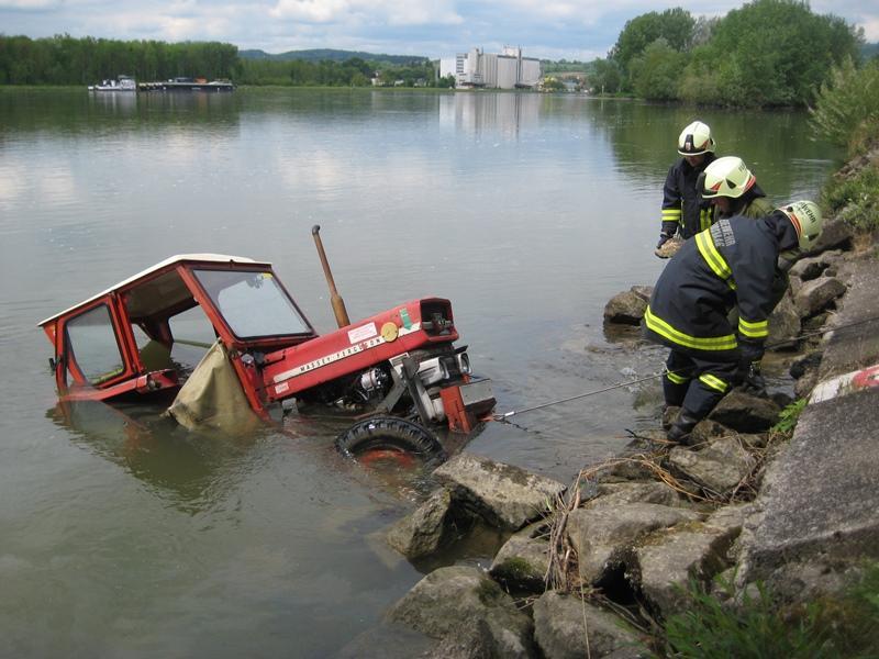 Traktorbergung_Landshaag_1