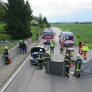 Aufräumarbeiten nach Verkehrsunfall auf B131