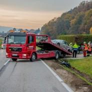 Aufräumarbeiten nach Frontalcrash in Bergheim