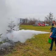 Feuerlöschübung für Jugendmitglieder