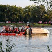 Hausboot auf Donau gekentert